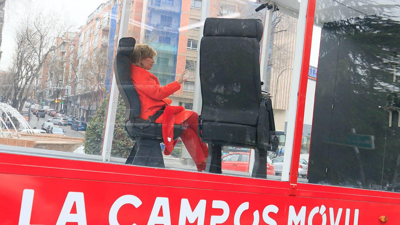 María Teresa Campos, en las grabaciones de 'Las Campos móvil'. (Gtres)