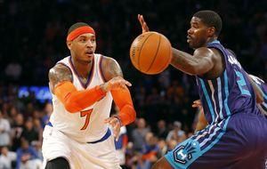 Carmelo lidera a Knicks entrando en el selecto club de los 20.000
