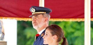 Post de El elegante (e irreprochable) look de estreno de la reina Letizia en un acto militar