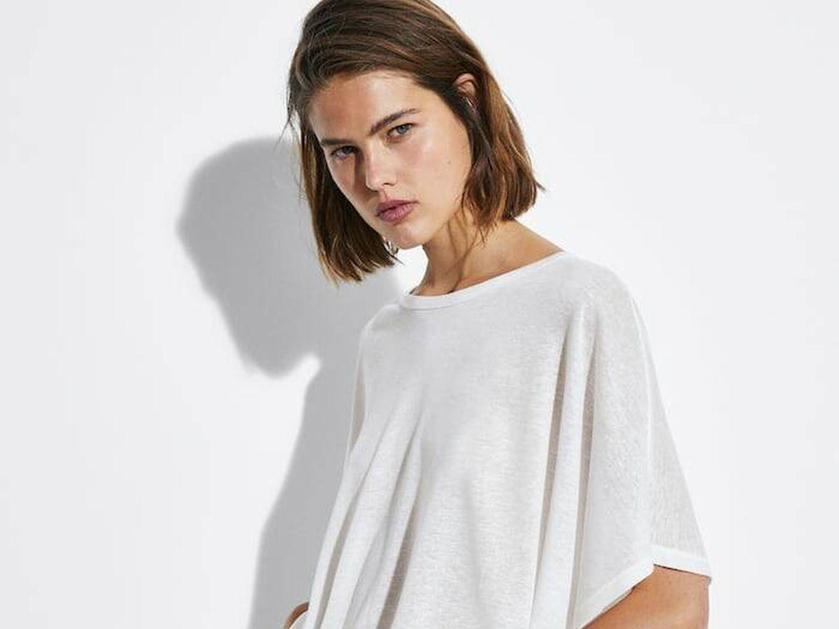 Foto: Camiseta blanca de Massimo Dutti. (Cortesía)
