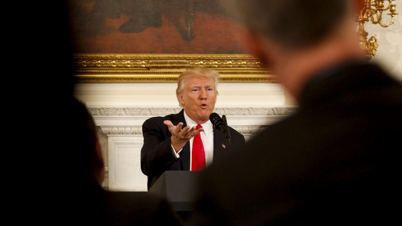 Foto: Trump habla en una reunión con la Asociación Nacional de Gobernadores en la Casa Blanca, el 27 de febrero de 2017 (EFE)