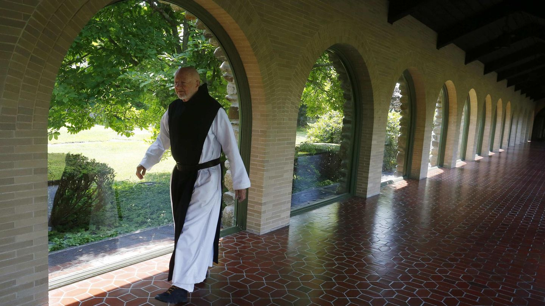 Monje trapense en la abadía de San José. (Reuters)