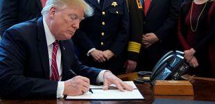 Post de Trump firma el veto a la resolución del Congreso contra su emergencia nacional