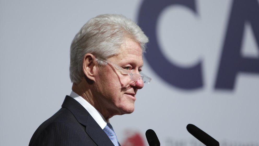 Nadie quiere pagar por escuchar a los Clinton: es Trump quien atrae el dinero