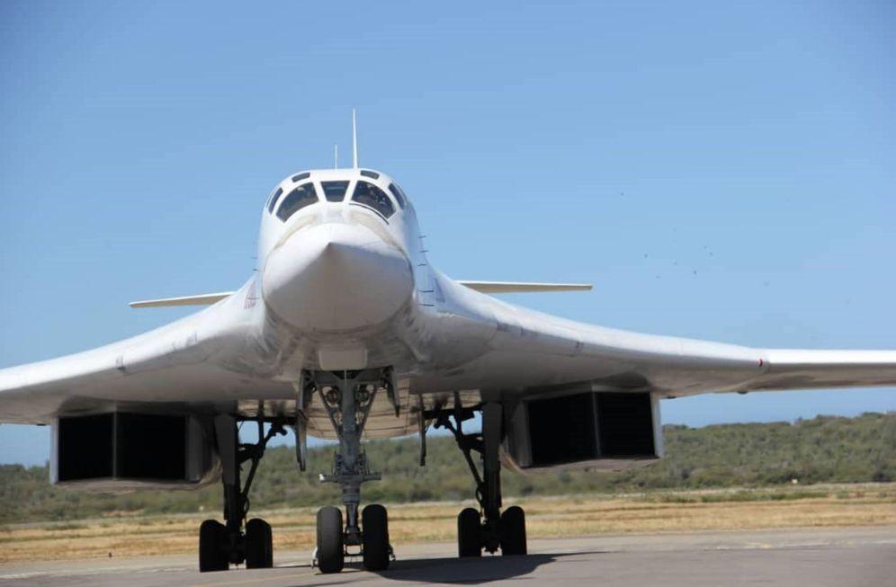 Foto: Fotografía cedida por Prensa del Ministerio de Defensa de Venezuela, muestra uno de los dos bombarderos rusos Tu-160. (EFE)