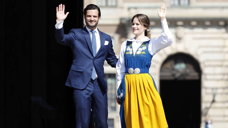 El príncipe Carlos Felipe y la princesa Sofía tras la apertura de puertas del Palacio Real. (Getty)