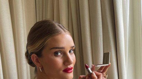 Rosie Huntington-Whiteley solo usa dos labiales para conseguir sus superlabios