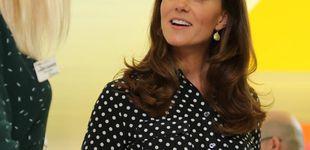Post de Kate Middleton y su salida 'secreta': versiona el look de la discordia de Letizia