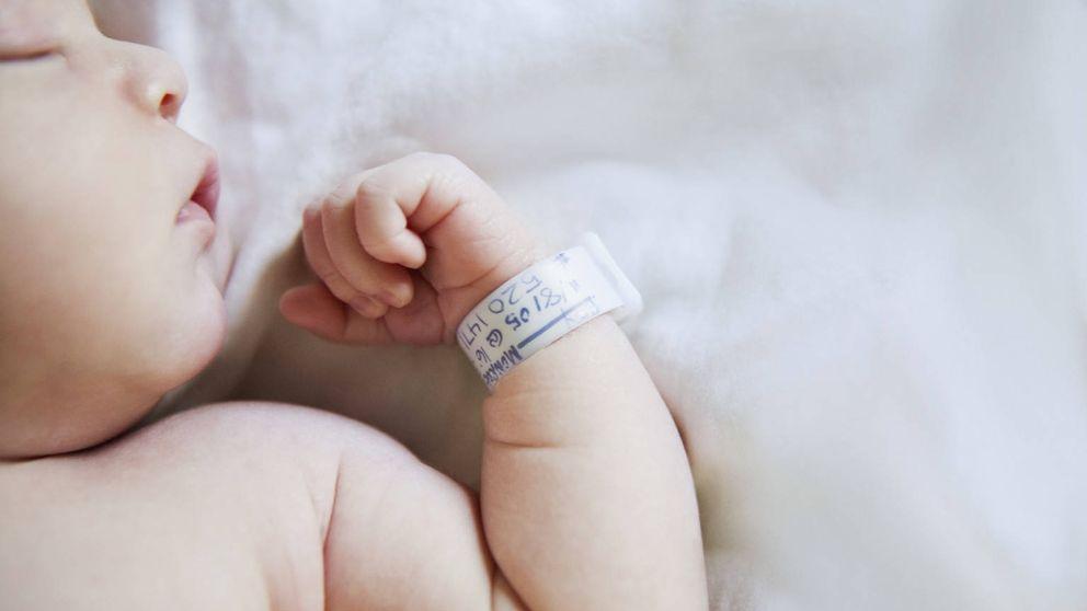 Nace el primer bebé con tres padres para evitar una enfermedad genética