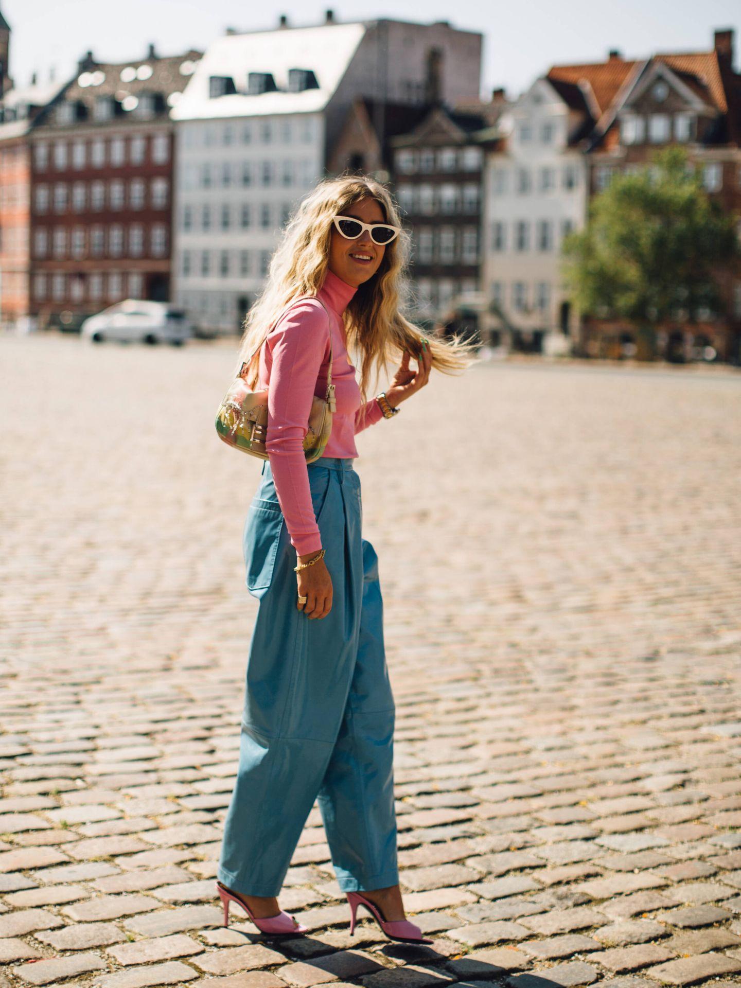 El pantalón ancho de tiro alto que triunfa entre las danesas. (Imaxtree)
