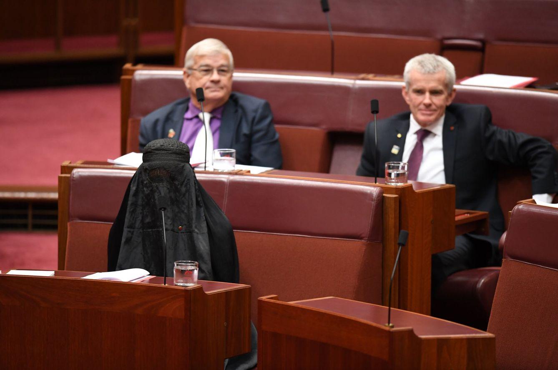 Foto: Un burka en el Parlamento de Australia