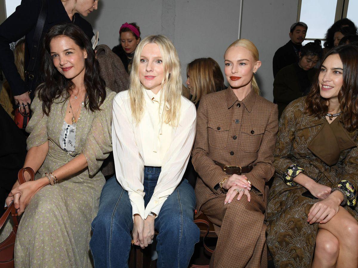 Foto: Katie Holmes, Laura Brown, Kate Bosworth y Alexa Chung, en el front row de Chloé. (Getty)