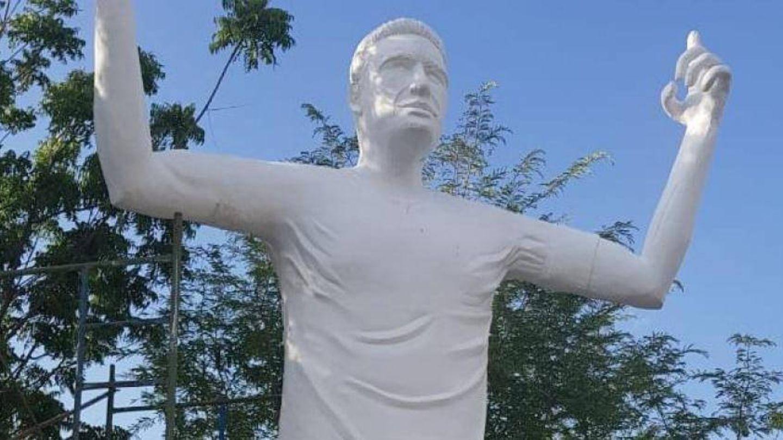 Estatua a Falcao en Santa Marta, Colombia