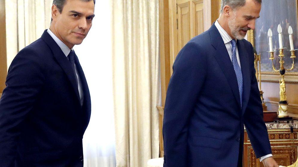 Foto: El presidente del Gobierno en funciones, Pedro Sánchez, y Felipe VI, en el Palacio de la Zarzuela. (Reuters)