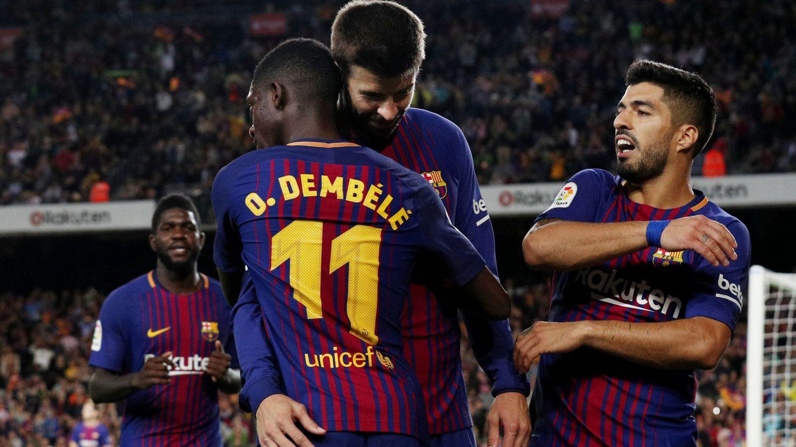 Foto: Piqué, Dembélé y Luis Suárez celebran un gol del FC Barcelona ante el Espanyol   Reuters