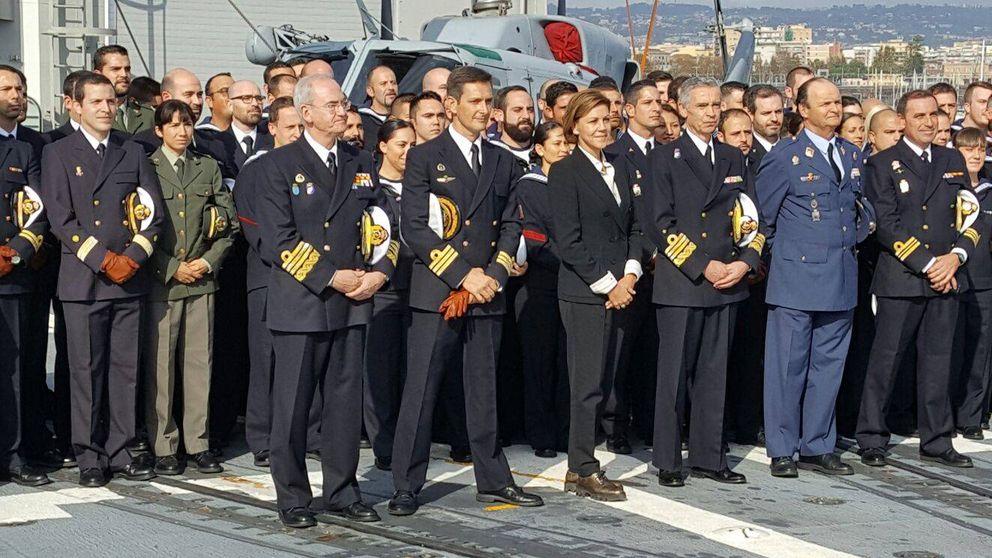 Cospedal defiende la colaboración UE-OTAN en su primera visita a las tropas
