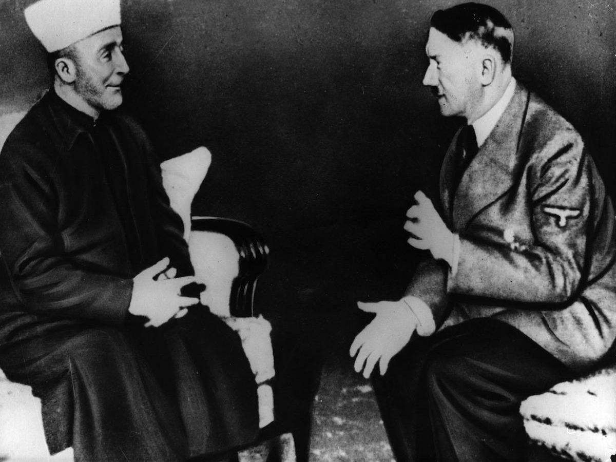 Foto: El muftí Amin al-Husayni y Adolf Hitler, en la Cancillería del Reich, en Berlín, el 28 de noviembre de 1941.