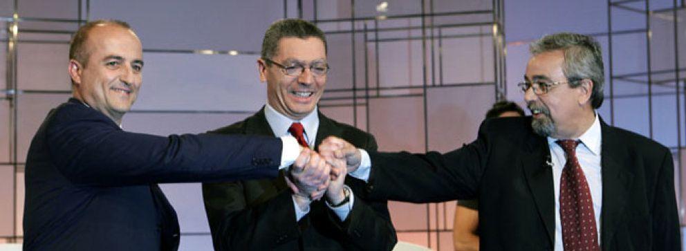 Foto: Sebastián y Gallardón se amenazan con sacar trapos sucios de su vida privada
