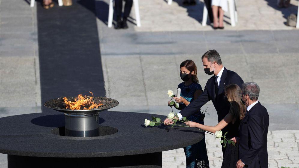Foto: Homenaje de Estado a las víctimas del coronavirus (EFE)