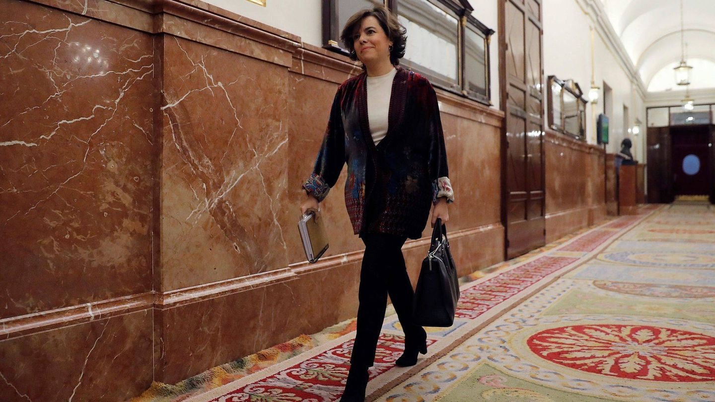 Soraya durante una sesión de control al Gobierno en el Congreso. (EFE)