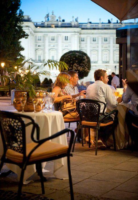 Los mejores restaurantes con terraza de madrid y barcelona for Restaurantes con terraza madrid