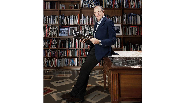 Foto: Retrato de Luchino Gastel en su despacho.