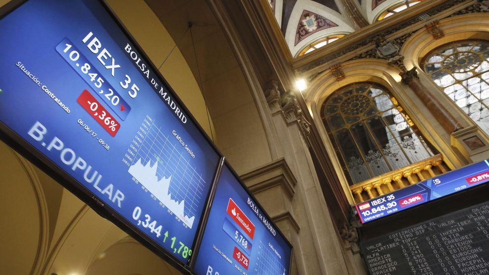 Foto: Imagen de la cotización del Popular un día antes (6 de junio) de su venta al Santander (EFE)