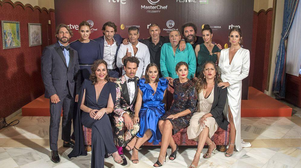 Foto: Los concursantes de 'MasterChef celebrity 4', excepto Ana Obregón. (TVE)