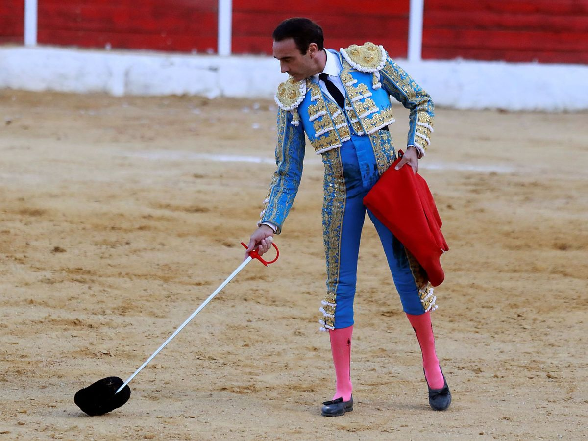 Foto: Enrique Ponce, en septiembre de 2020 en la localidad granadina de Baza. (EFE)