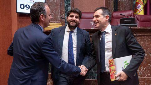 La bicefalia de Vox en Murcia que allana los presupuestos a López Miras