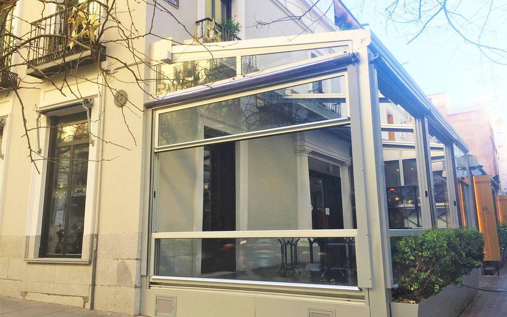 Foto:  El restaurante La Máquina, en la esquina de Puigcerdà con Jorge Juan, cerrado tras la orden del ayuntamiento. (EC)