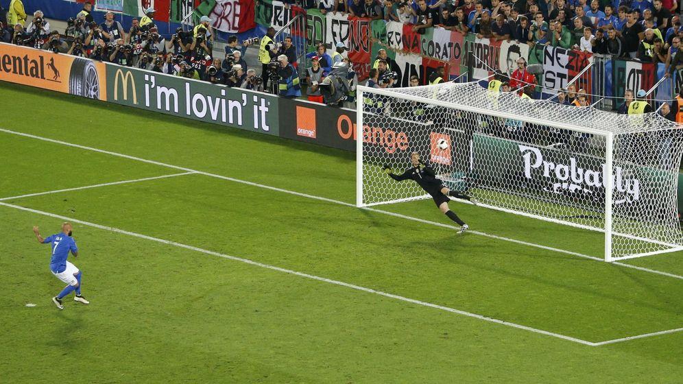 Foto: Zaza mandó su penalti a las nubes. Fotos: Regis Duvignau (Reuters)