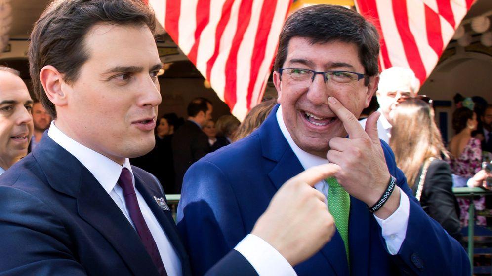 Foto: El presidente de Ciudadanos, Albert Rivera (i) junto al líder de su partido en Andalucía, Juan Marín. (EFE)