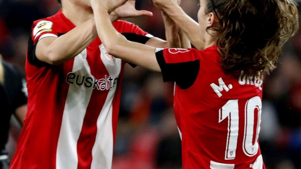 Foto: Maite Oroz celebra un gol del Athletic de Bilbao con Garazi Murua. (EFE)
