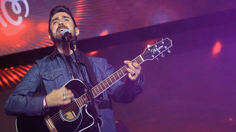 Álex Ubago, en un concierto en el WiZink Center de Madrid. (EFE)