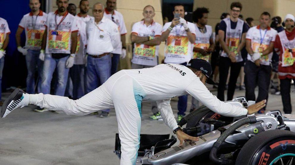 Hamilton y sus 'sexy laps': de nada valen si te roban la cartera en la salida