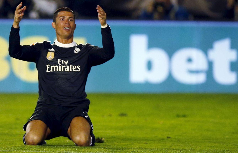 Foto: Cristiano protestó la decisión del árbitro (Reuters)
