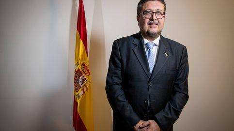 Serrano (Vox) califica de kale borroka a las feministas en las puertas del Parlamento