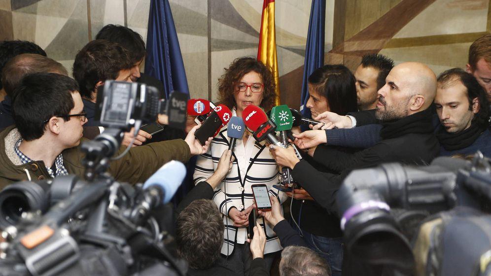 Foto: Esther Queraltó, secretaria general de la ACB, atiende a la prensa tras el anuncio del acuerdo. (ACB Photo)
