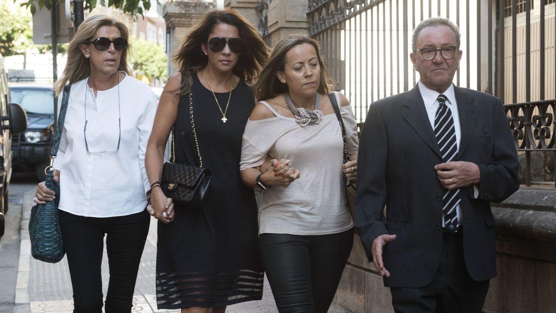 Las mujeres de Miguel Blesa se rehacen dos años después de su muerte