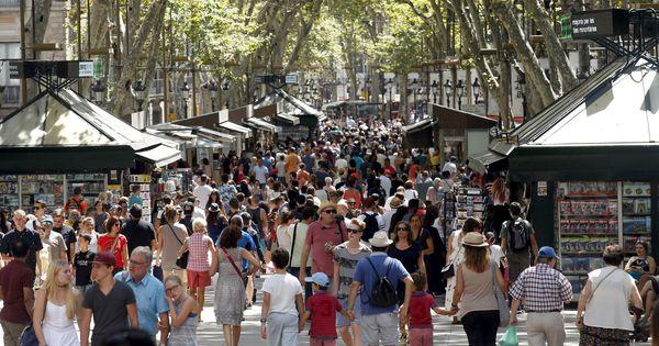 Por qué no debes difundir imágenes del atentado de Barcelona en redes sociales. Noticias de Tecnología