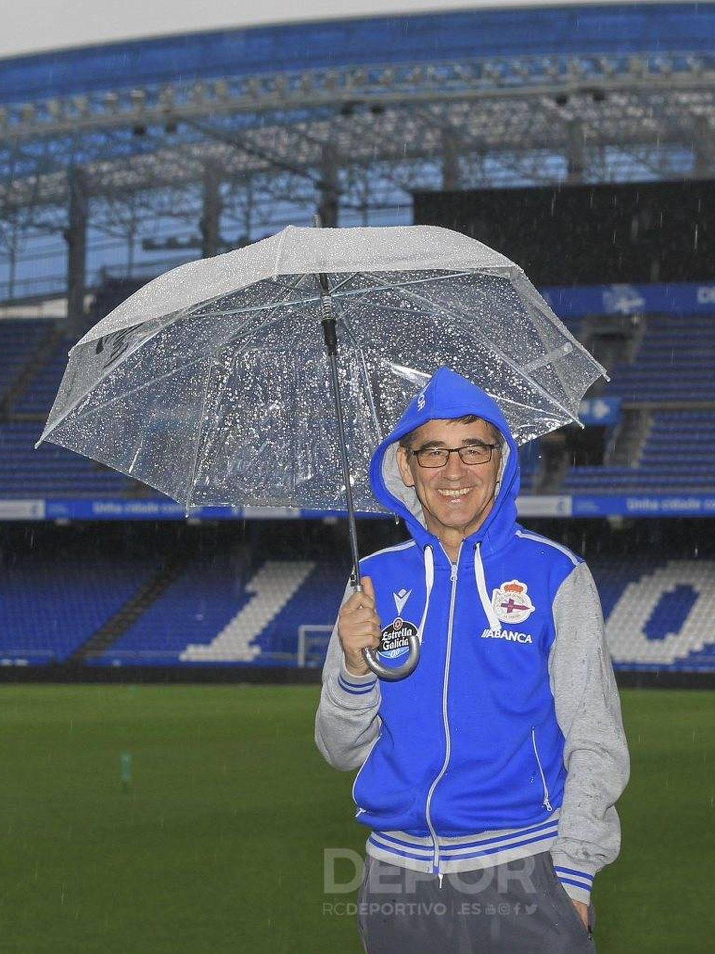 Fernando Vázquez en Riazor. (@RCDeportivo)