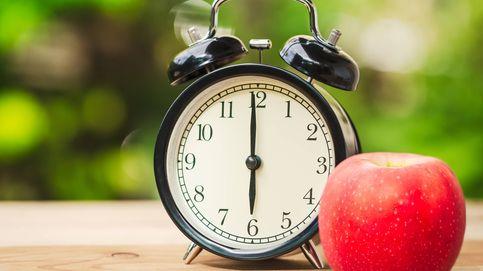 Retrasar el desayuno y adelantar la cena reduce la grasa corporal