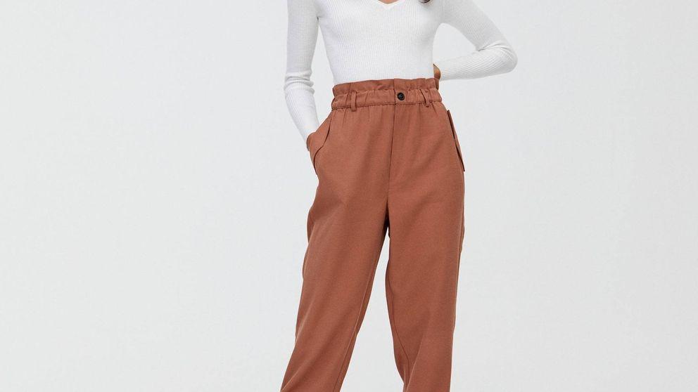 El pantalón de Pull and Bear que combina con todo, ideal para una noche de verano