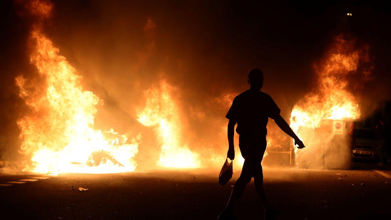 Pinche para ver los disturbios ante la Conselleria de Interior.