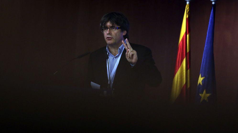 Foto: El presidente de la Generalitat, Carles Puigdemont, durante el Consell Nacional del PDeCAT. (EFE)