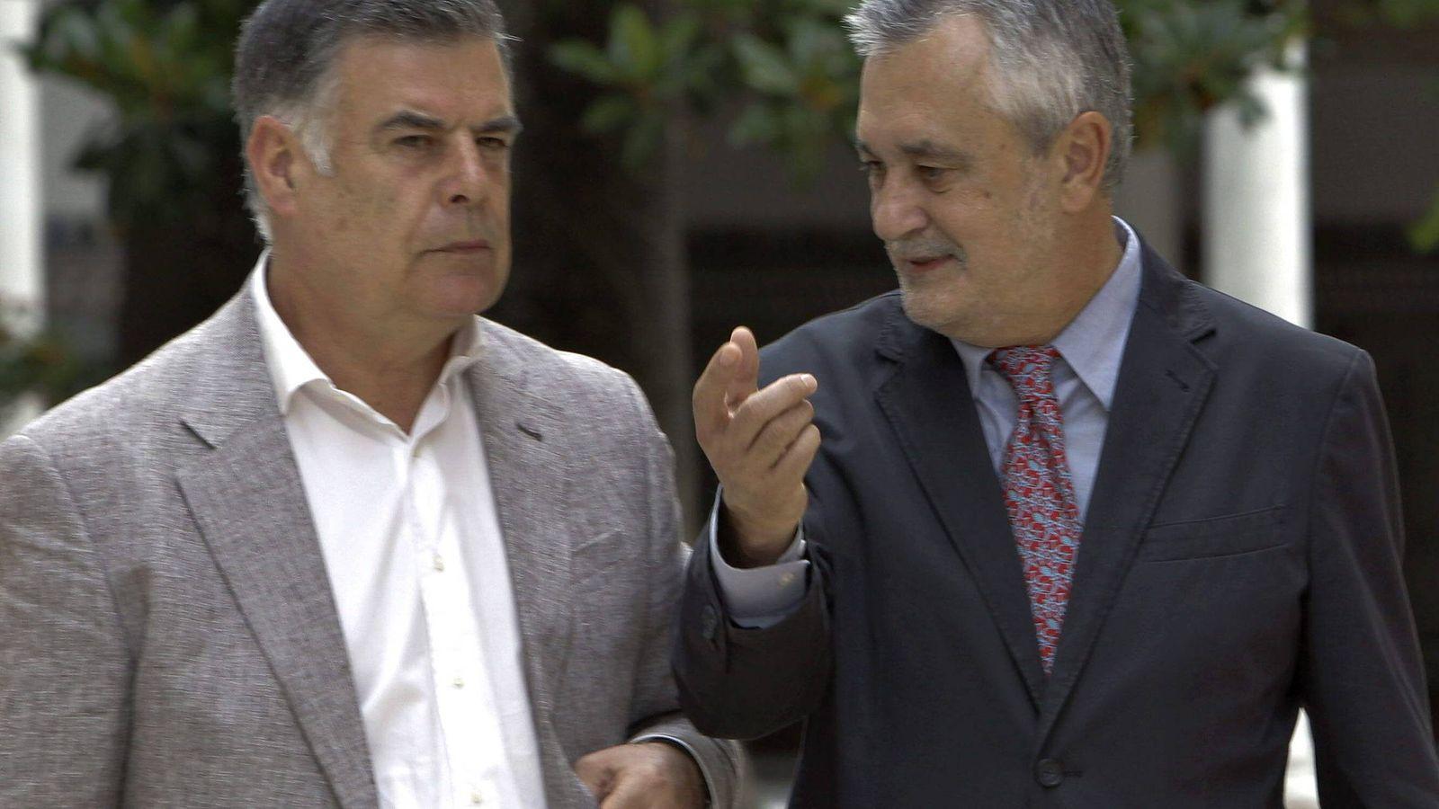 Foto: José Antonio Viera (i) y José Antonio Griñán en una imagen de archivo. (EFE)