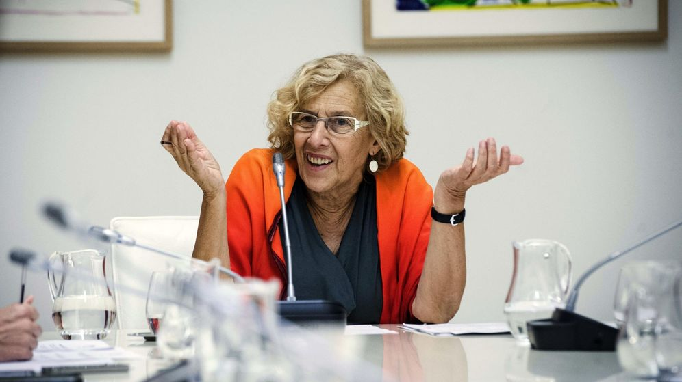 Foto: La alcaldesa de Madrid, Manuela Carmena, en una reunión con su equipo de Gobierno. (EFE)