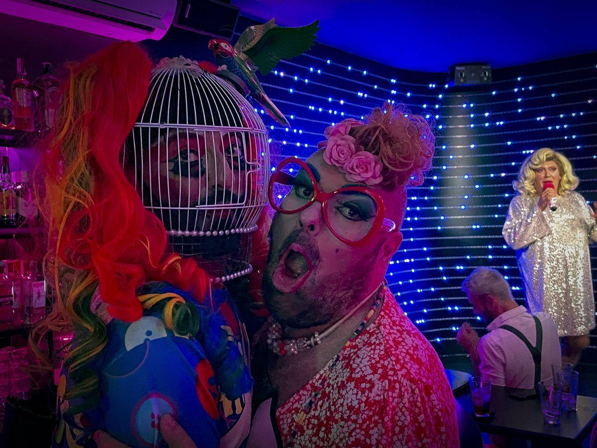 Foto: Pompino, en un local gay de La Nogalera. (A. R.)