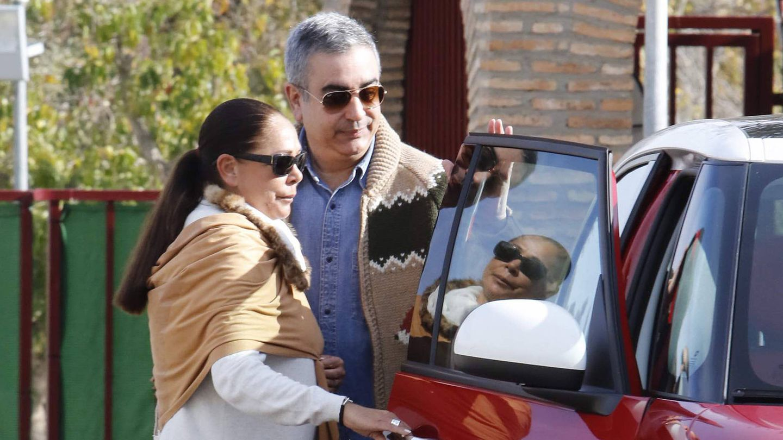 Agustín Pantoja, recogiendo a su hermana a la salida de prisión. (Gtres)
